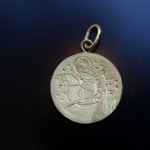 Médaille de Saint Martin partageant son manteau